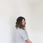 """Listen to the sweet pop track """"Heart"""" by Nashville native Jessie Early"""